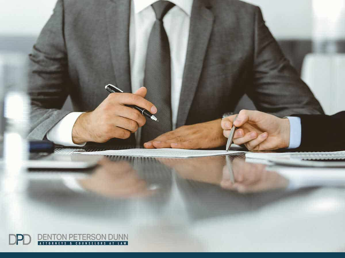 Why Hiring a Debt Collection Lawyer Is The Best Option For Your Company In Phoenix, AZ